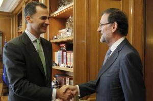 El Rey Felipe VI con el presidente del Gobierno, Mariano Rajoy